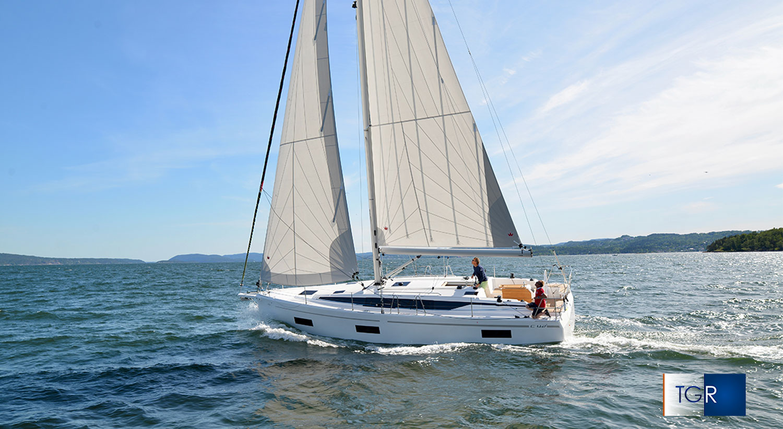Bavari C42 Cossutti Yacht Design TGR Rai 3